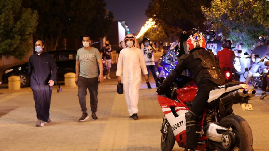 السعودية تسجل تراجعا طفيفا بوفيات ومصابي كورونا على أساس يومي