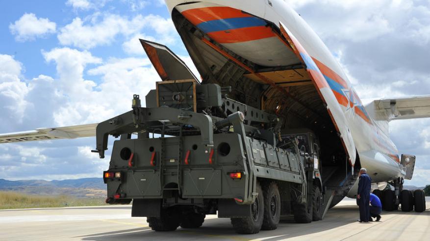 """الدفاع الروسية: قمنا بإيصال دفعة جديدة من أجزاء منظومة """"إس-400"""" إلى تركيا"""