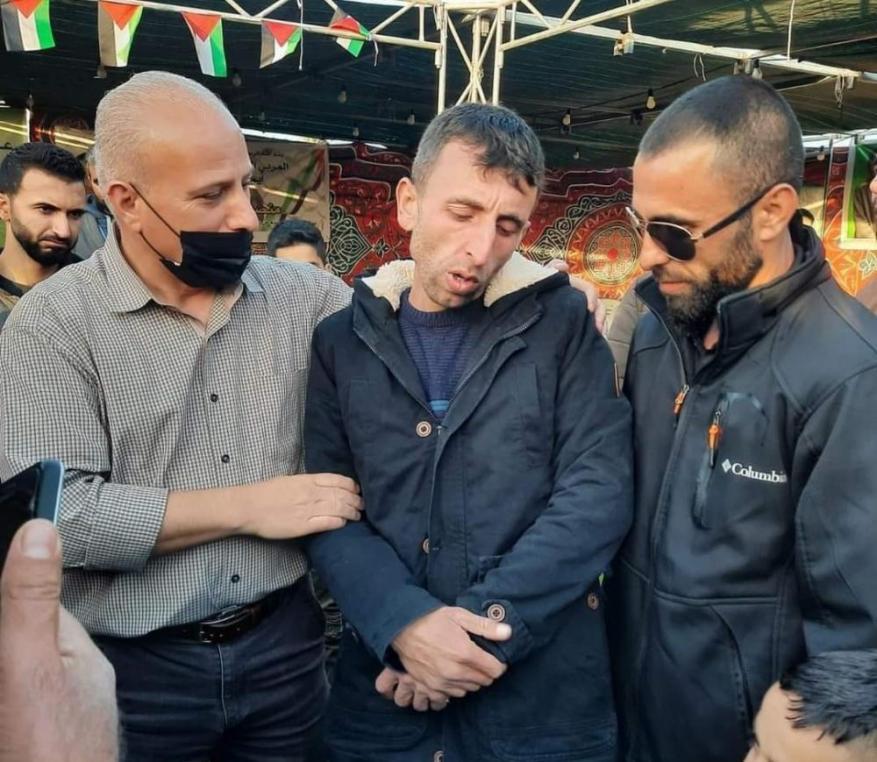 """""""أسرى حمـ ـاس"""": نطالب بمحاسبة قناة العربية على أكاذيبها"""