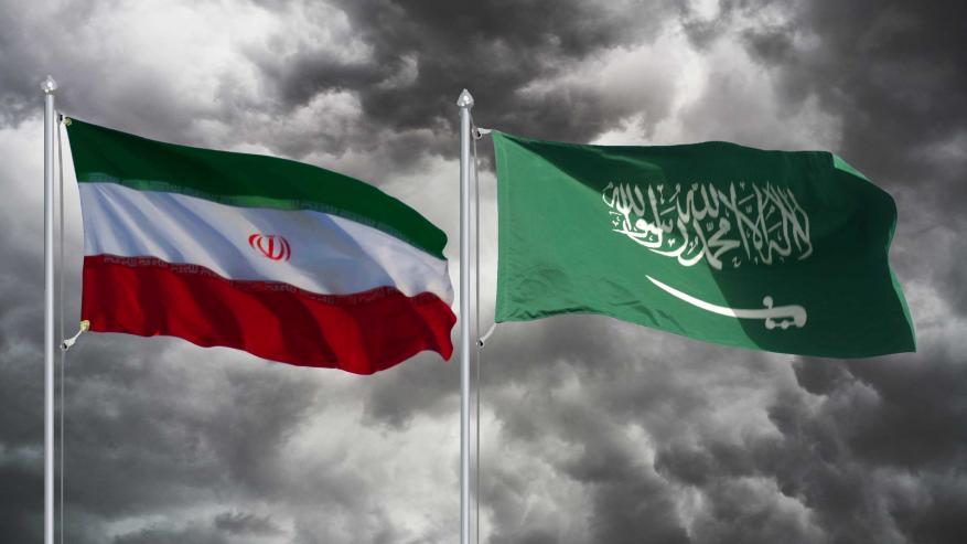 نيويورك تايمز: السعودية وإيران تسعيان سرا لنزع فتيل التوتر
