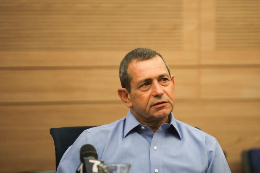 """""""واللا"""": الخلافات السياسية تعيق الإعلان عن خليفة لرئيس جهاز """"الشاباك"""""""