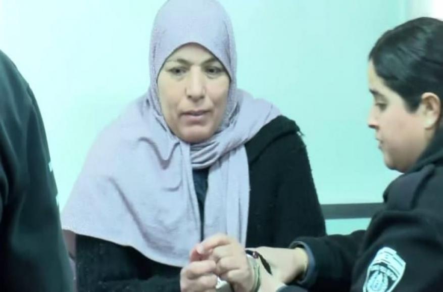 أوضاع صعبة تعيشها والدة الشهيد أشرف نعالوة في سجون الاحتلال