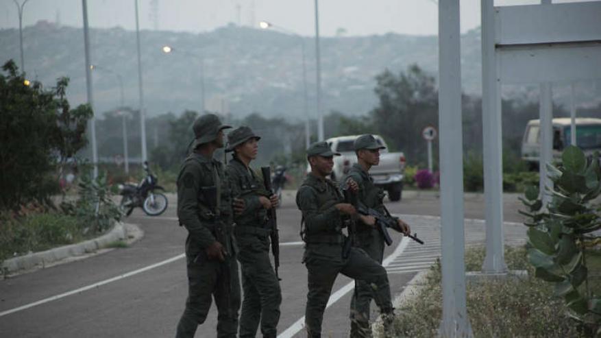 مادورو ينشر قوات خاصة عند الحدود مع كولومبيا