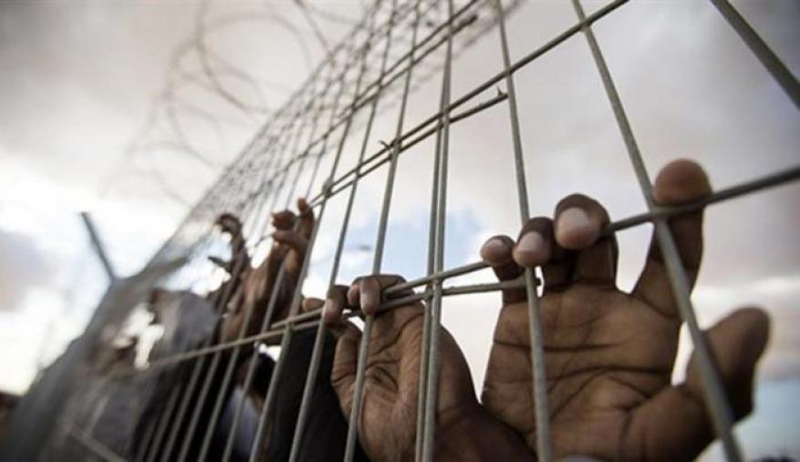 """فحوصات الأسرى في """"عيادة سجن الرملة"""" سلبية ونادي الأسير يطالب بلجنة محايدة"""