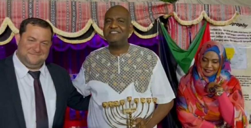 فيديو.. وفد سوداني يوقع اتفاقية تعاون اقتصادي مع مستوطنات شمال الضفة