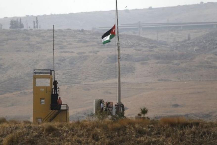 """تمهيدًا لتسليمها للأردن.. جيش الاحتلال ينسحب من """"الباقورة والغمر"""""""
