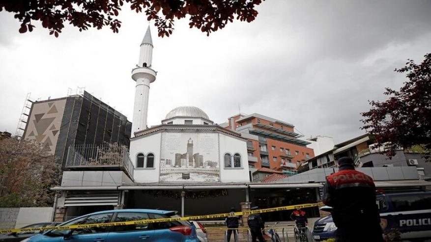 ألبانيا.. طعن خمسة مصلين داخل مسجد في العاصمة تيرانا