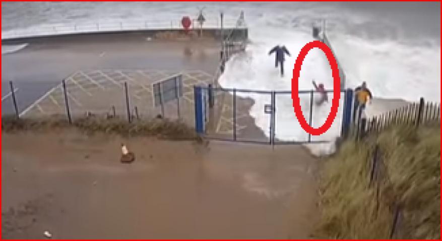 """قتلت شخصين.. شاهد لحظة بدء العاصفة """"سيارا"""" في بريطانيا"""