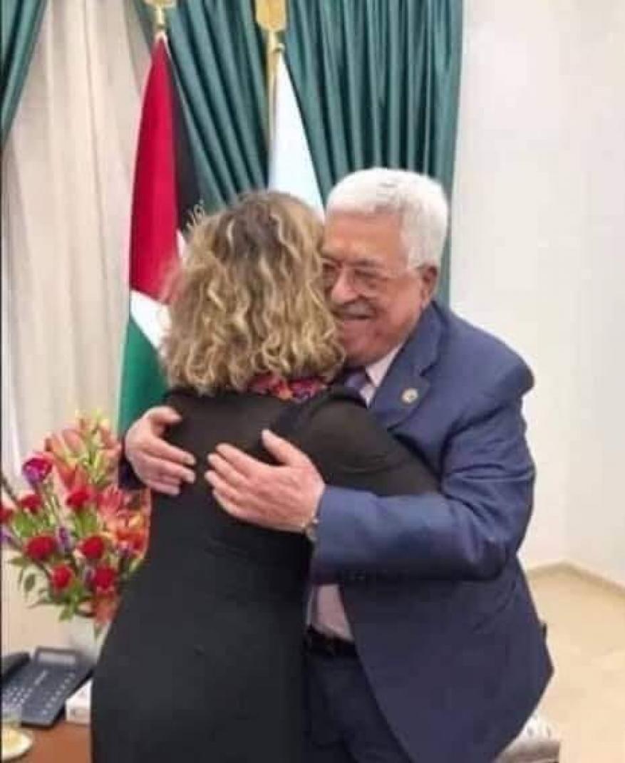 """الأحرار: لقاء عباس بحفيدة المجرم رابين """"طعنة غادرة"""" في خاصرة شعبنا"""