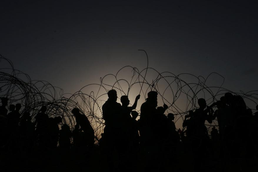 """التسريبات الإسرائيلية حول تسهيلات لغزة """"جعجعة بلا طحن"""""""