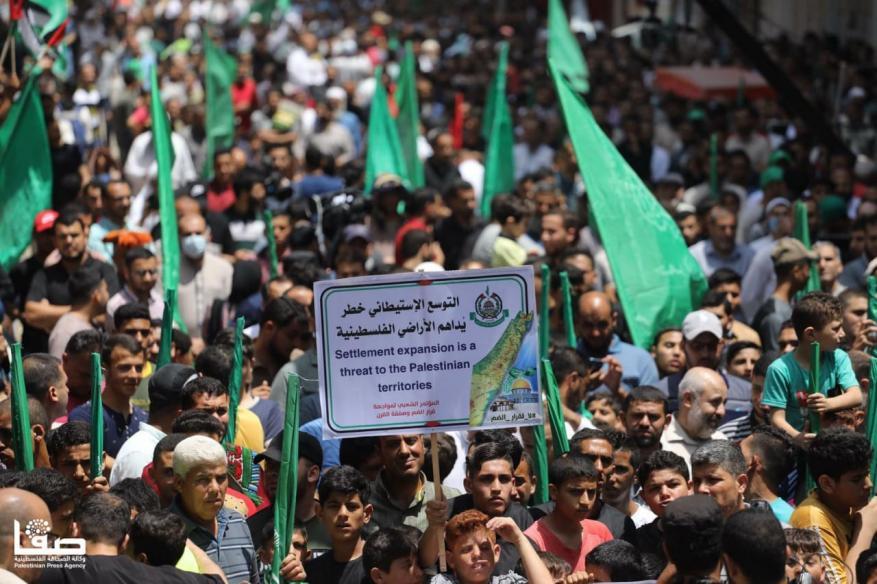 خلال مسيرة حاشدة شمال غزة.. حماس: سنواجه وقوى المقاومة مخطط ضم الضفة