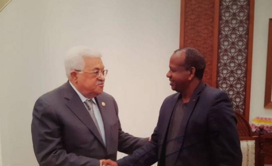 عباس لعائلة جندي إسرائيلي أسير بغزة: سأستخدم جميع الوسائل لمساعدتكم في الحصول على معلومة عن ابنكم