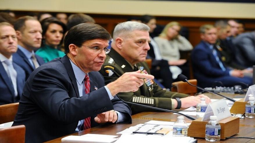 وزير الدفاع الأمريكي يتوعد إيران برد حاسم!
