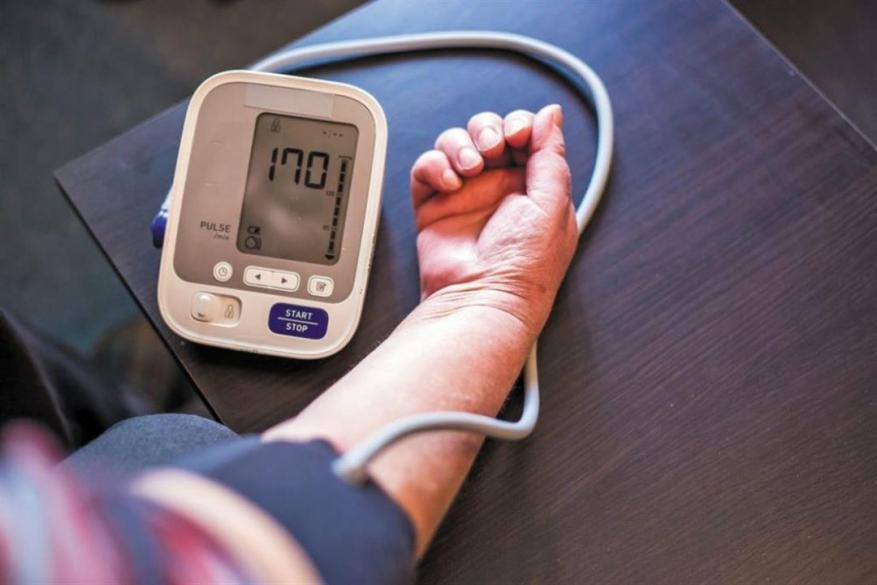 احذر.. انخفاض ضغط الدم ينذر بأمراض خطيرة (فيديو)