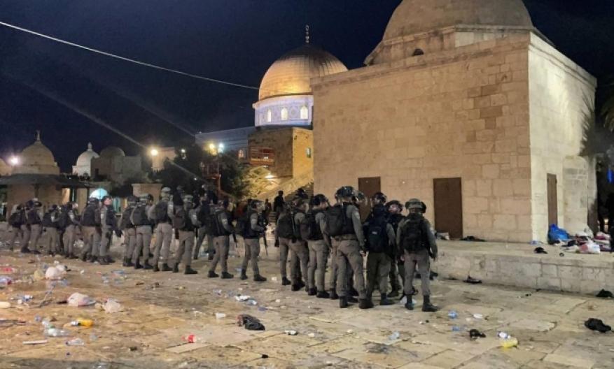 مواجهات في المسجد الأقصى.. عشرات الإصابات معظمها استهدفت العيون والوجه