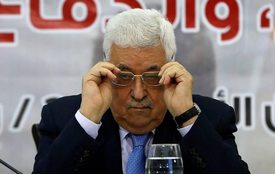 بعد تعطيله الانتخابات.. عباس يسعى لوأد المقاومة بالضفة وتشديد العقوبات على غزة