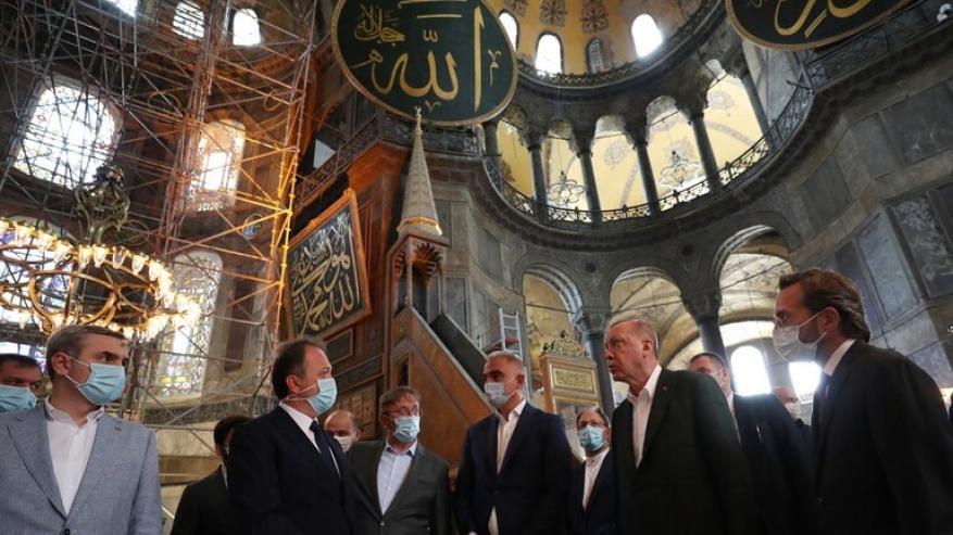 """أردوغان يغرد عن """"آيا صوفيا"""" قبيل استئناف أول صلاة فيها الجمعة"""