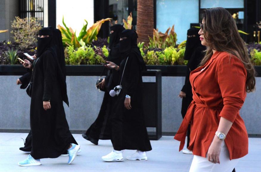 للمرة الأولى.. السعودية تعتزم إصدار تأشيرات سياحية