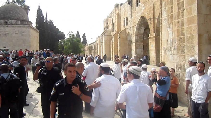 الحركة الإسلامية في بيت المقدس تحذر الاحتلال من اقتحام الأقصى