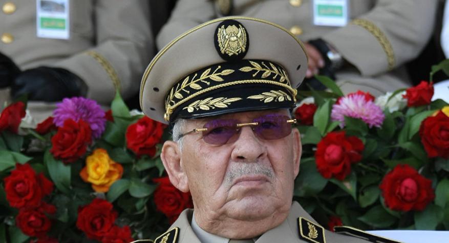"""رئيس الأركان الجزائري يعلن """"إفشال مؤامرة ومخطط دنيء"""" استهدف البلاد"""