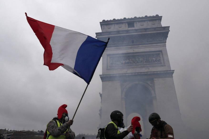 نشر 65 ألف شرطي بأنحاء فرنسا قبيل مظاهرات السبت