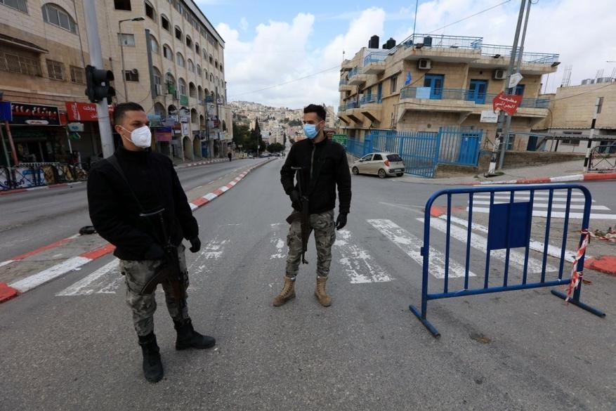"""إغلاق قرية """"بيت ايبا"""" في نابلس بسبب كورونا"""
