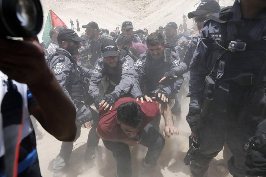 """الصليب الاحمر: على """"إسرائيل"""" الالتزام بالقانون الدولي الإنساني بخصوص الخان الأحمر"""