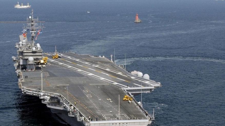 """البحرية الأمريكية """"تتحدى"""" الصين وترسل سفينة حربية إلى مضيق تايوان!"""