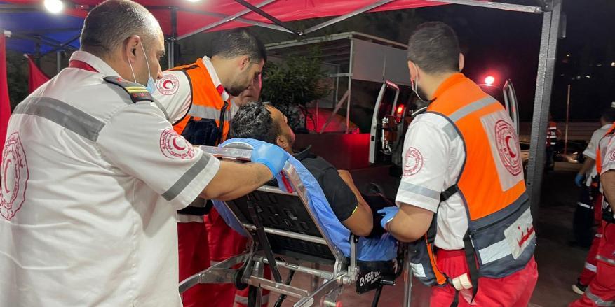 90 إصابة بمواجهات مع الاحتلال في أحياء القدس