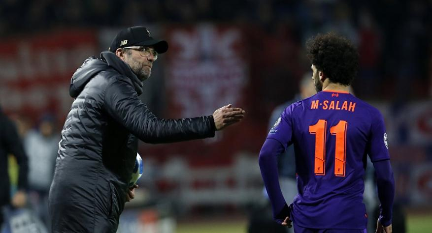 """مدرب ليفربول يحذر من """"الخطير"""" ويرفض الكلام مع محمد صلاح"""
