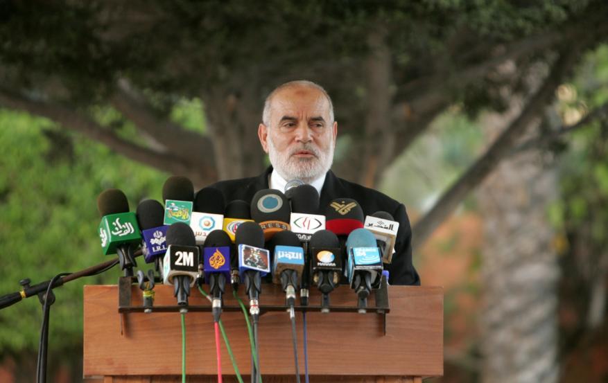 """د. بحّر: تعطيل عباس للانتخابات يفرض على """"التشريعي"""" الاستمرار في تحمل الأمانة"""
