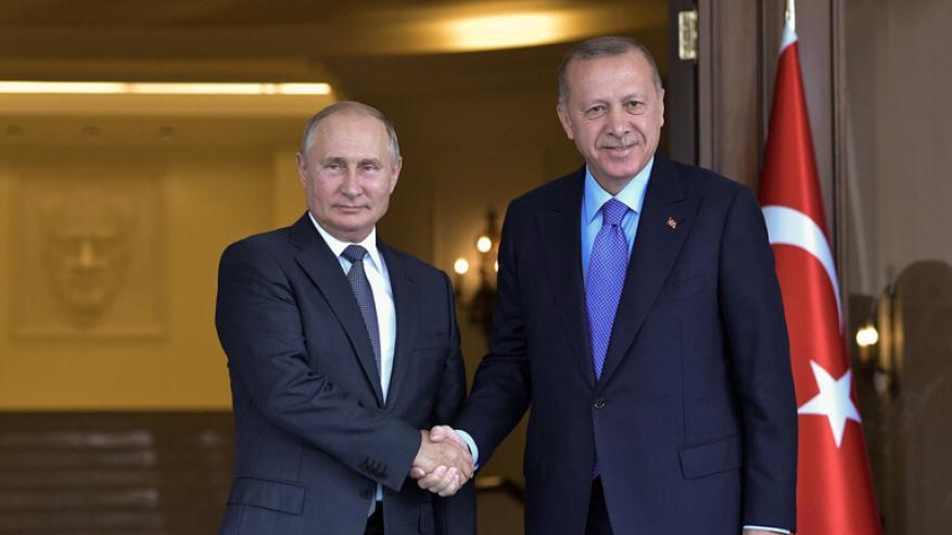 أردوغان يجري محادثات هاتفية مع بوتين حول العملية العسكرية في سوريا