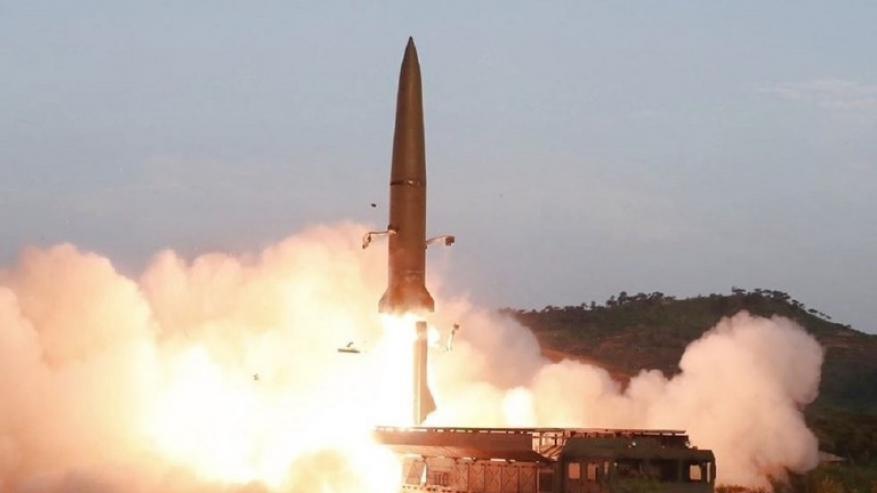 وسائل إعلام: كوريا الشمالية تطلق مقذوفتين مجهولتين باتجاه بحر اليابان