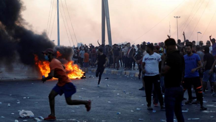 8 قتلى بتجدد المظاهرات ببغداد رغم الأوامر بعدم إطلاق الرصاص