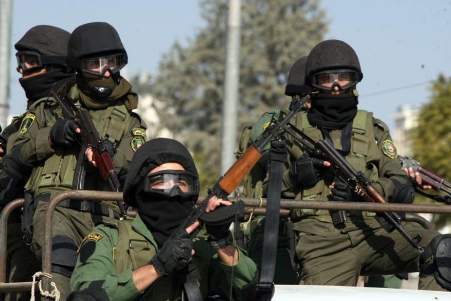 """السلطة تعتقل خلية من حماس خططت لعمليات تفجيرية في """"إسرائيل"""""""