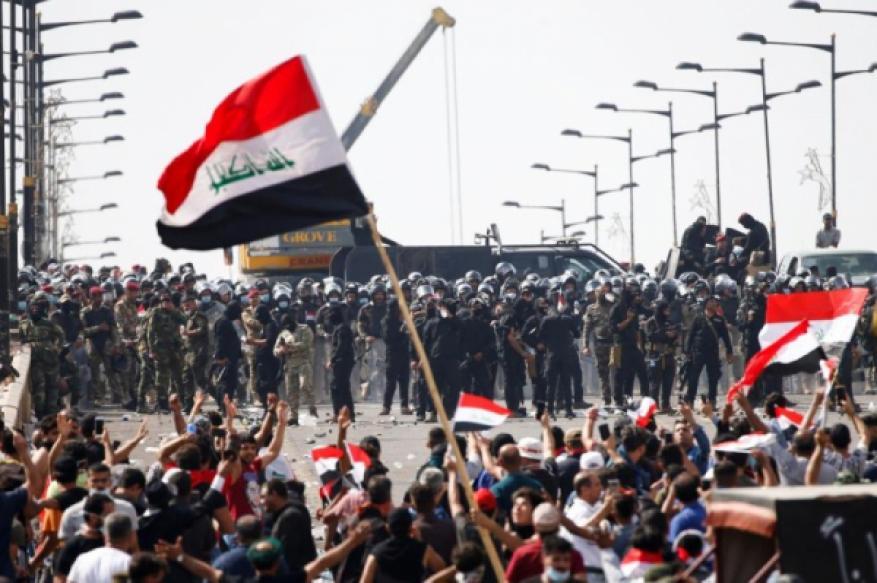 القضاء العراقي يعلن إطلاق سراح 2400 معتقل من المتظاهرين