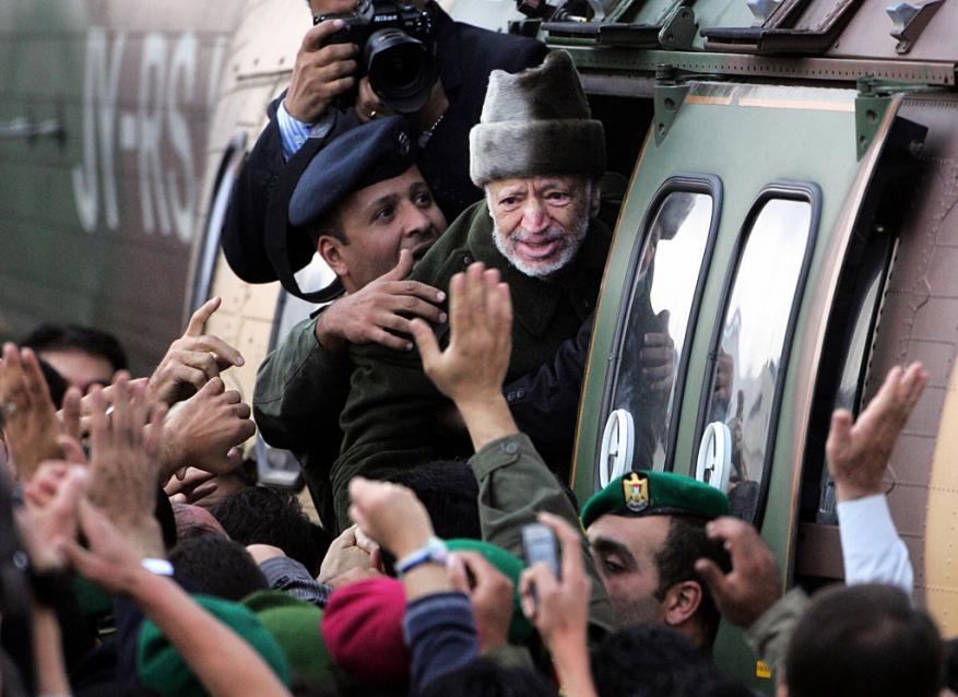 15 عاما على وفاة الرئيس الراحل ياسر عرفات.. من القاتل؟