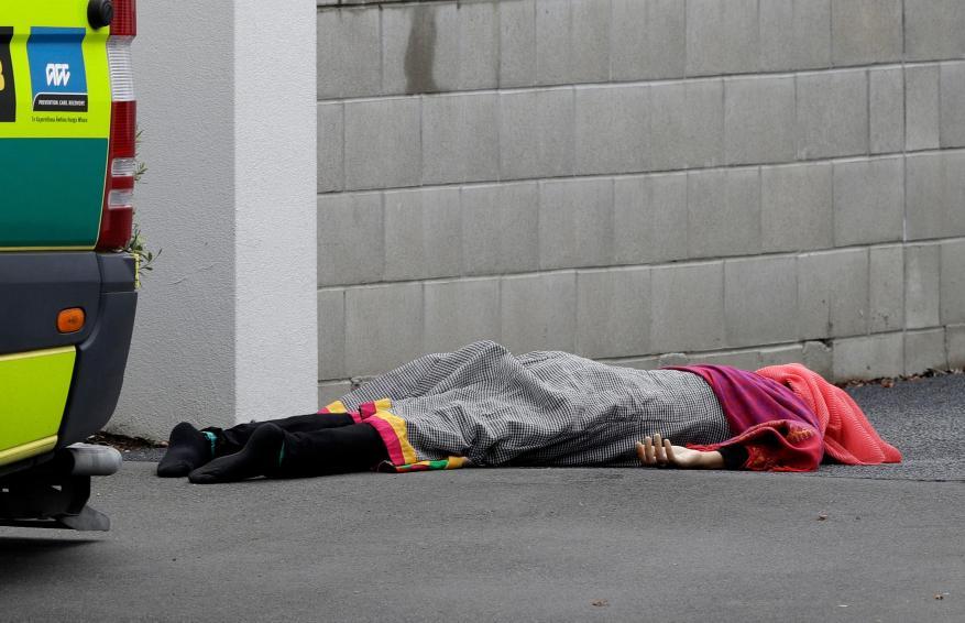 الكشف عن حصيلة ضخمة لضحايا هجوم المسجدين وهوية المنفذ الإرهابي