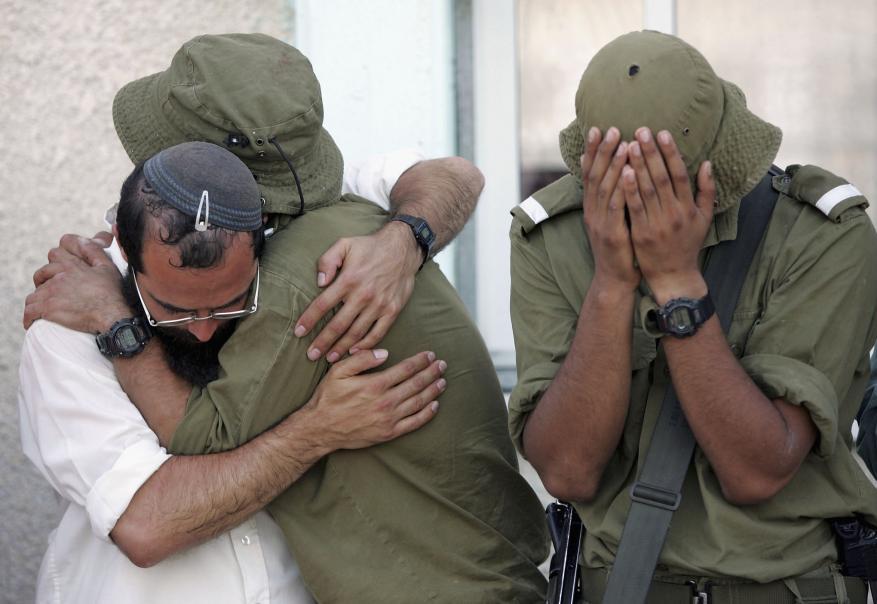 قناة إسرائيلية: مراكز الدعم النفسي لمستوطني غلاف غزة تنهار بسبب ضغط روادها
