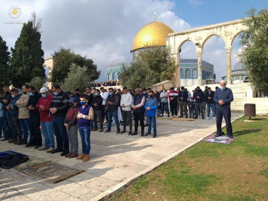 """للجمعة الخامسة.. الاحتلال يمنع فلسطينيين من الصلاة بـ""""الأقصى"""""""