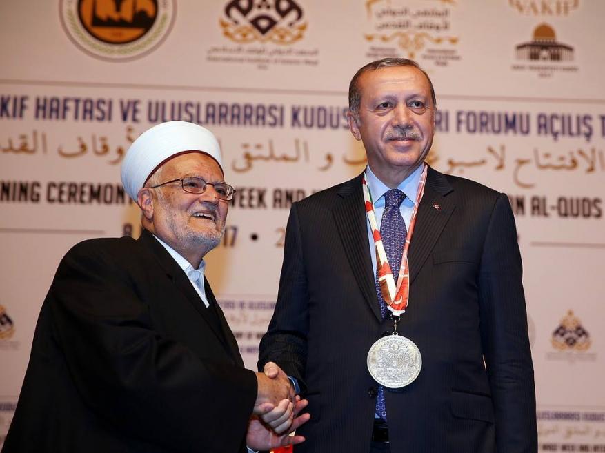 """خطيب الأقصى يشيد بخطاب أردوغان """"التاريخي"""" بالأمم المتحدة"""