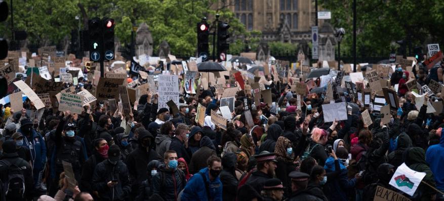 خبراء أمميون يدينون تقريرا بريطانيا حول تفوق العرق الأبيض