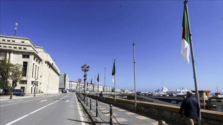 الجزائر توسع ساعات حظر التجوال في عيد الفطر 