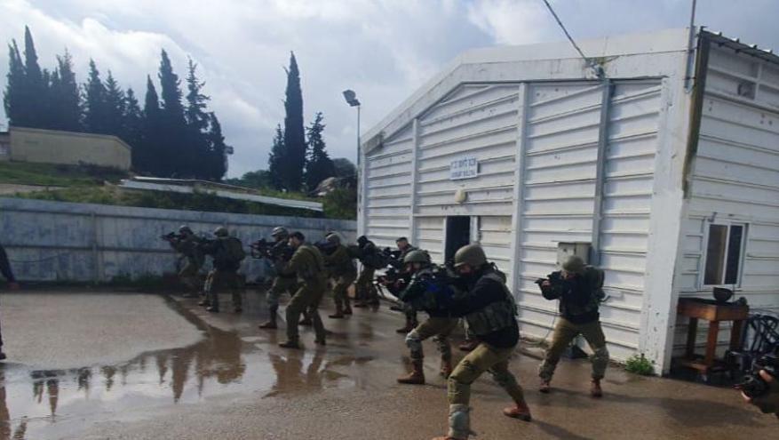 """الاحتلال ينهي المرحلة الأولى من تدريبات """"سرايا المشاة"""""""