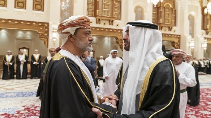 هل تجاهل السلطان العُماني محمد بن زايد؟ هذا ما فسره النشطاء