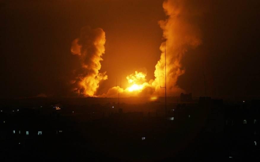 الاحتلال يجدد غاراته على مواقع للمقاومة بغزة