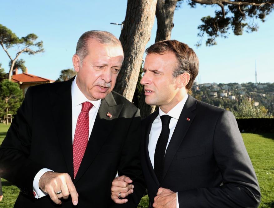 بالفيديو.. أردوغان لماكرون: عليك أن تفحص موتك الدماغي أولًا