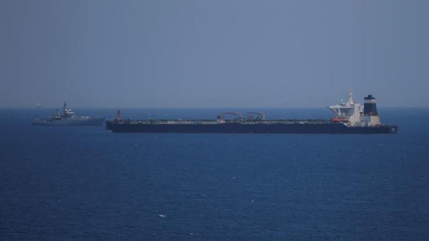 تمديد احتجاز ناقلة النفط الإيرانية بجبل طارق وطهران تهدد بالرد بالمثل