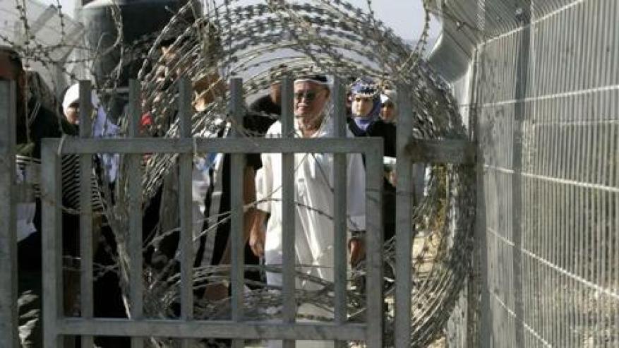 الأورمتوسطي: استثمار الإمارات في تطوير الحواجز الإسرائيلية ترسيخ للاحتلال