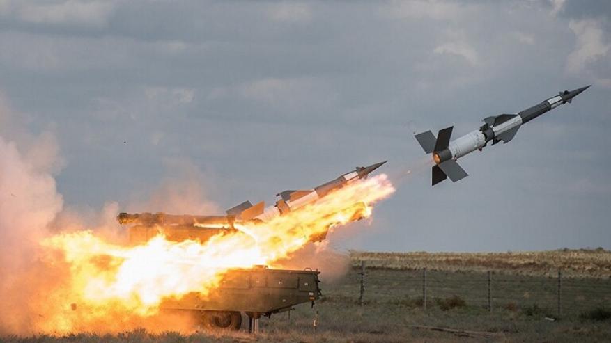 سانا: الدفاعات الجوية السورية تتصدى لعدوان يستهدف مطار التيفور
